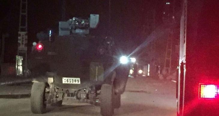 Van'da polis aracının geçişi sırasında patlama