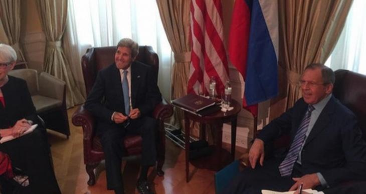 Lavrov ve Kerry, IŞİD'le mücadeleyi konuştu