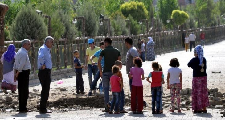 Cizre'de yola döşenen patlayıcı sivil aracın geçişi sırasında patladı: 1 yurttaş yaşamını yitirdi