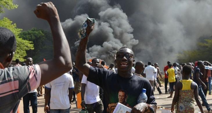 Burkina Faso'da başkan istifa etti