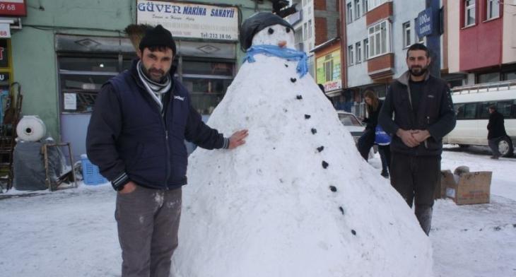 Kars'ta 'En uzun ömürlü kardan adam' yarışması