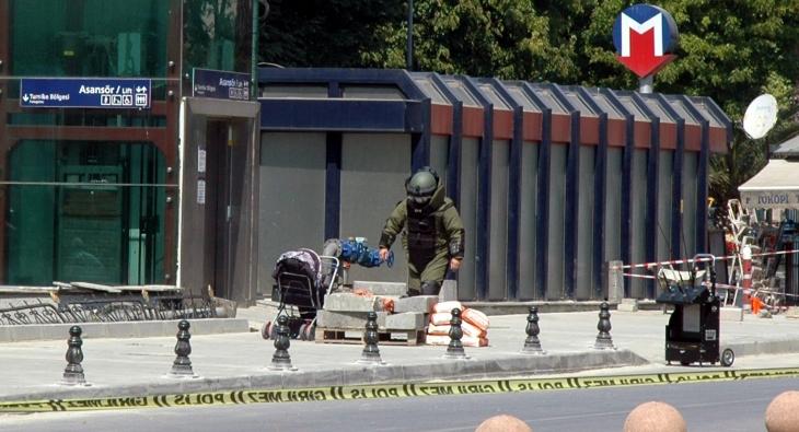 Vatan Caddesi'nde 'şüpheli bebek arabası' yol kapattırdı