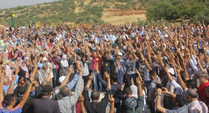 Cenazeleri 10 gün boyunca bekletilen gerillaları on binler uğurladı