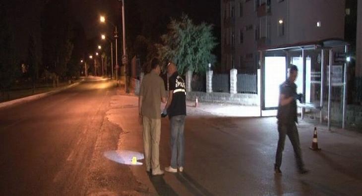 İzmir'de kışlaya iki el ateş edildi