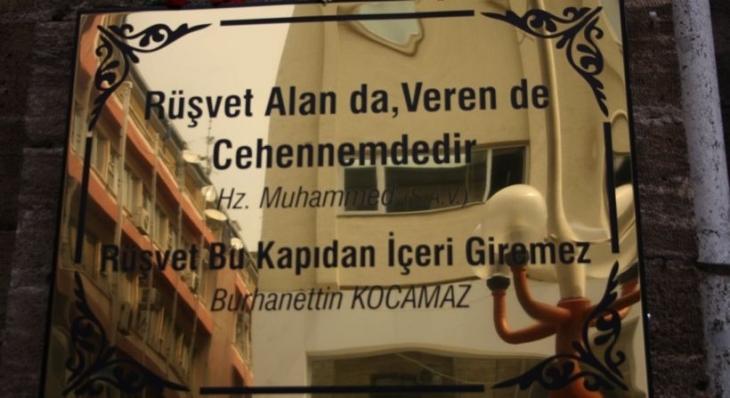 MHP'li belediyede skandal: Rüşvet o kapıdan içeri girdi!