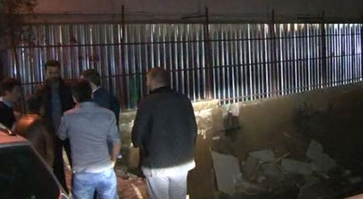İstanbul'da 7 katlı binanın ana girişi çöktü: Mahsur kalan 40 kişi kurtarıldı