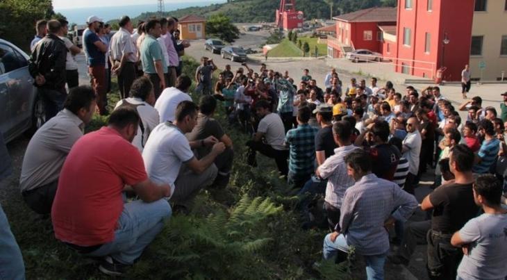 Hema işçileri, yasa tanımayan patrona karşı hakkını arıyor