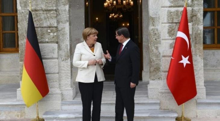 Merkel apar topar neden geliyor?