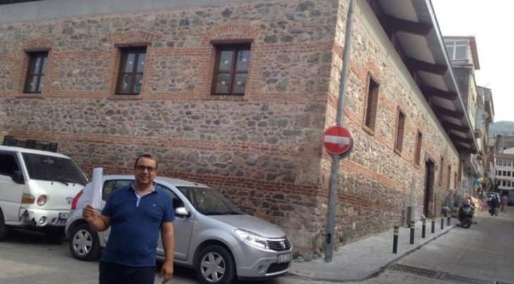 'Tarihi bina restore edildi, Ensar Vakfına peşkeş çekildi'