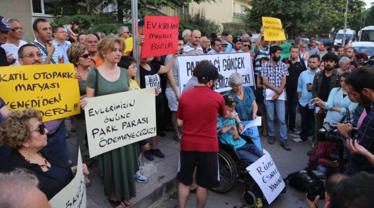 Mahalle halkı ve esnafın direnişi sonuç verdi Ankara'da yol kenarı ücretsiz oldu