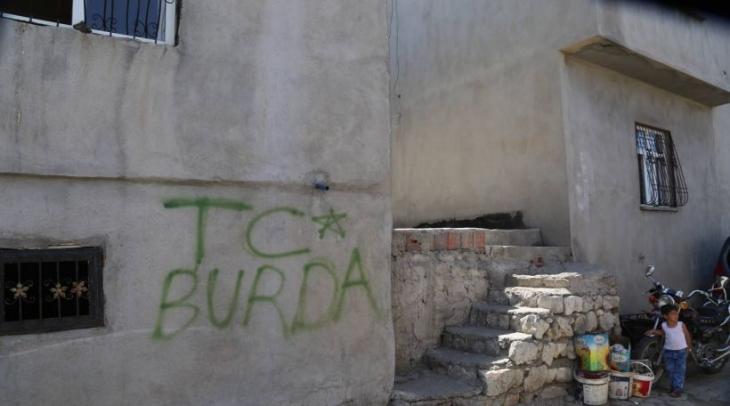 Şırnak'ta polis, duvara 'TC BURDA' yazdı