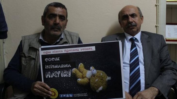 Karaman'daki cinsel istismara tepki eylemine katılan öğretmene GBT tacizi