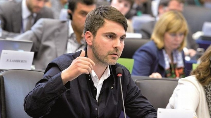De Masi: Yunanistan'a yapılan ekonomik terörizm