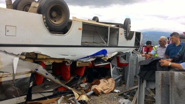 Yozgat ve Tokat'ta tarım işçilerini taşıyan minibüsler devrildi: 2 ölü 29 yaralı