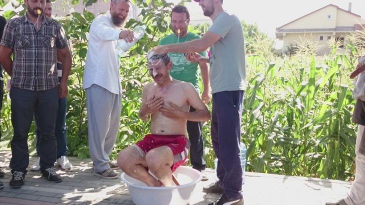 Enpay'da patron suları kesti, işçi banyo yaparak tepki gösterdi!