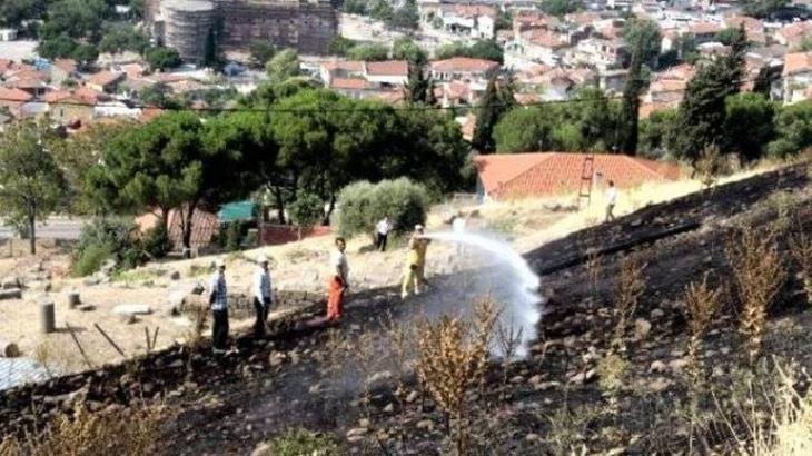 Bergama Antik Kenti'nde yangın çıktı