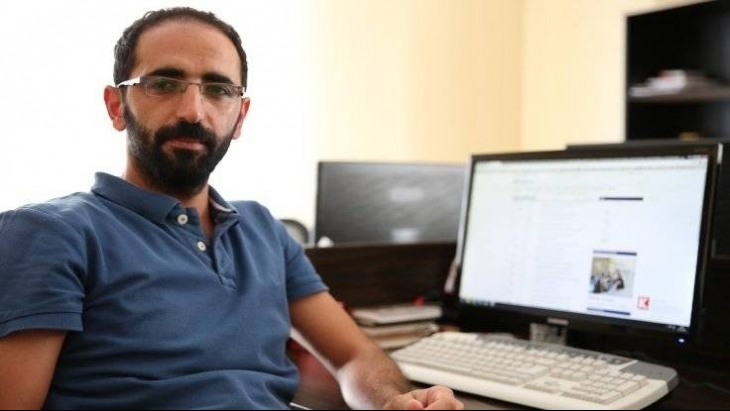 Darbedilen gazeteci Ömer Çelik için suç duyurusu