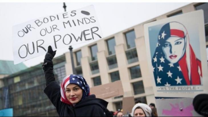 Kadınlardan Trump'a: Geleceğimizi çalmana izin vermeyeceğiz