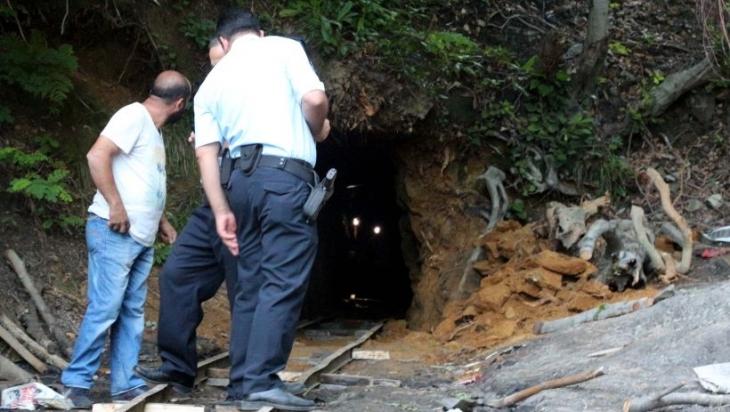 Kaçak maden ocağındaki göçükte mahsur kalan işçi: Mantar toplarken, merak edip içine girdim
