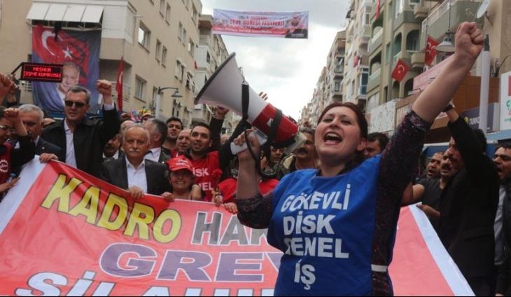 Bayraklı'da kiralık işçiliğe karşı kitlesel yürüyüş: Kölelik yasaları hemen geri çekilsin