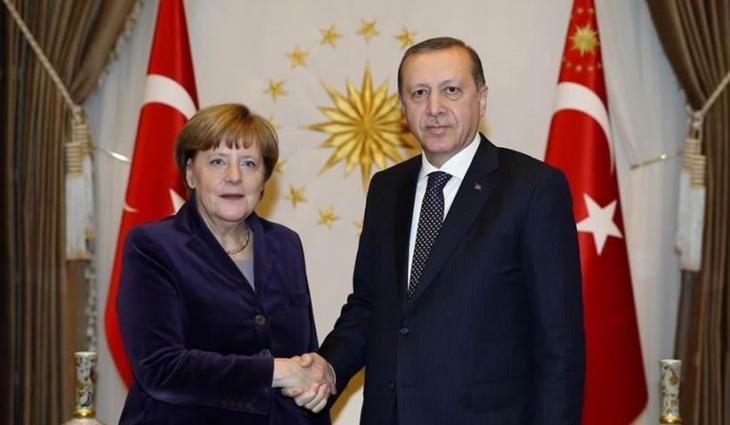 Erdoğan, Merkel'le sarayında görüştü