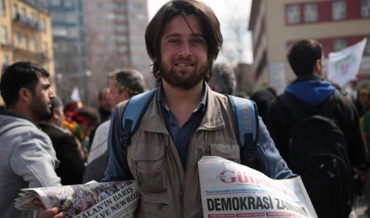 Polisten Azadiya Welat çalışanına: 'Neden Kürtçe gazeteniz var?'