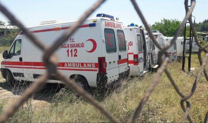 'Urla'da ambulanslar çürümeye terk edildi'