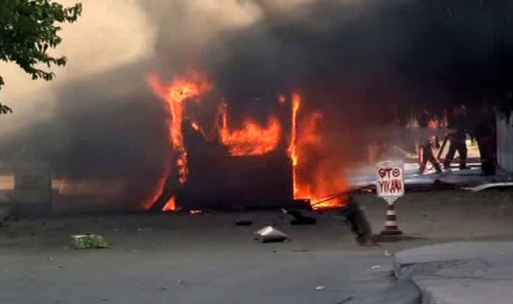 Yenikapı'da belediye otobüsünde patlama