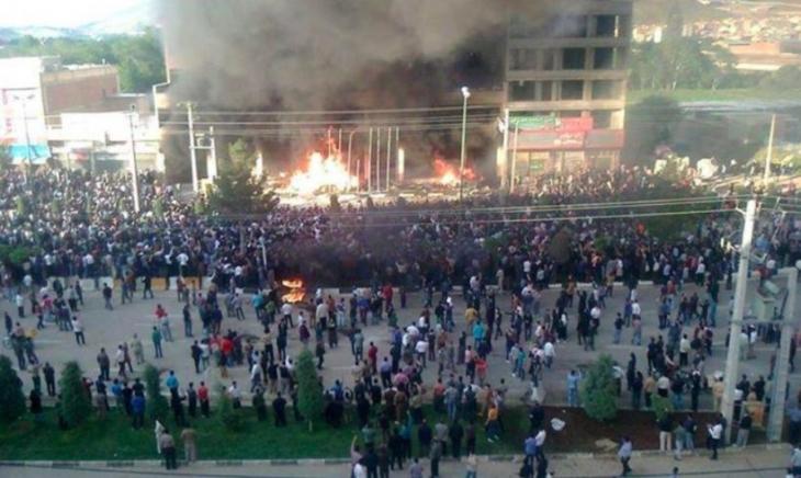 Mahabad'da 'Ferinaz' isyanı