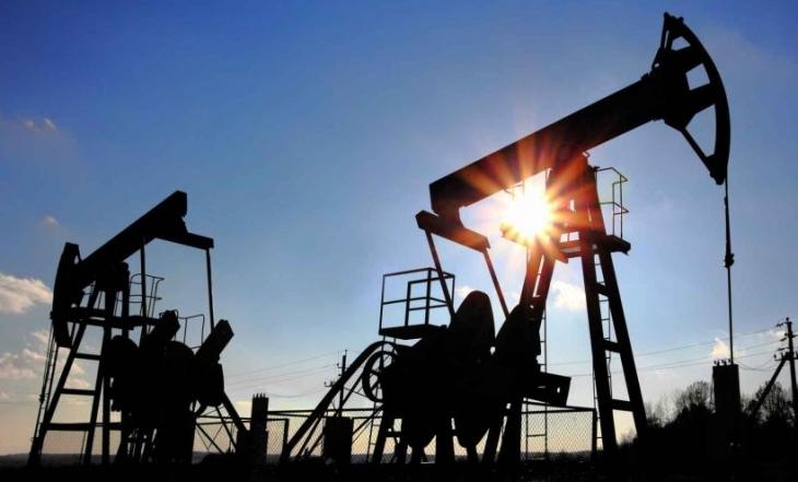 Rusya ve OPEC, petrol üretimini dondurma kararı aldı