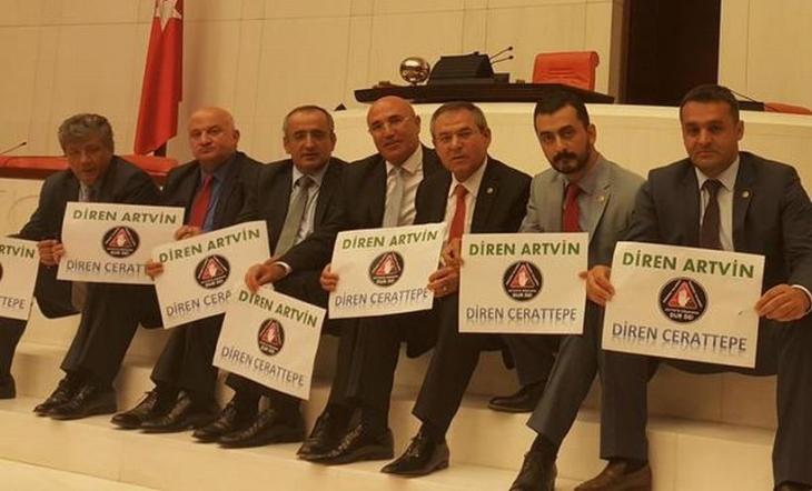 CHP'li milletvekillerinden Cerattepe için 24 saatlik Genel Kurul oturma eylemi