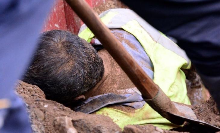 Karayolu çalışmasında göçük: 3 işçi yaralı