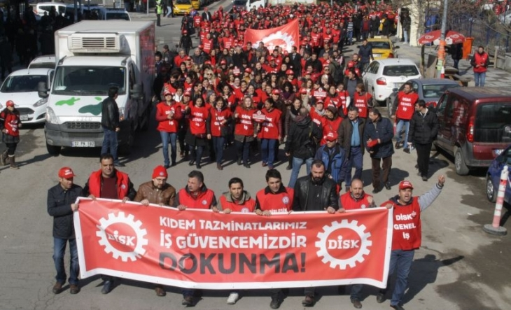 DİSK üyesi işçiler, kıdem tazminatı için Ankara ve İzmir'de sokağa çıktı