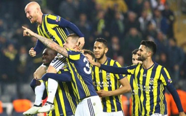 Fenerbahçe, Avrupa Ligi maçında Zorya Luhansk'ı 2 - 0 yendi
