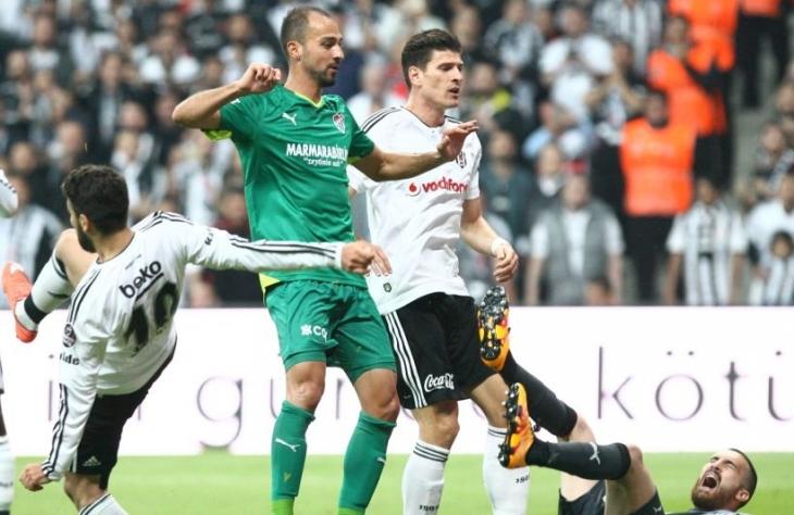 Beşiktaş, yeni evindeki ilk maçta Bursaspor'u 3-2 yendi