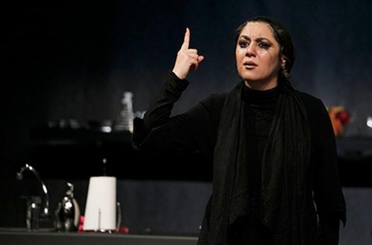 İranlı kadınlardan çarpıcı bir oyun: Her gün biraz daha