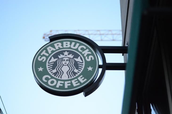 Starbucks, Afro-Amerikalı iki müşterisini gözaltına aldırdı