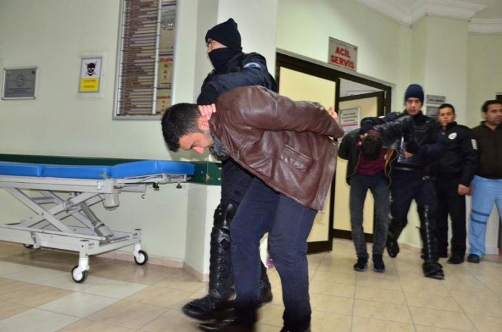 İnönü Üniversitesi'nde yaşanan saldırı sonucu 3 öğrenci yaralandı 61 öğrenci gözaltına alındı
