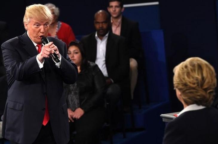 Milyarder Trump başkan oldu, tartışmalar başladı