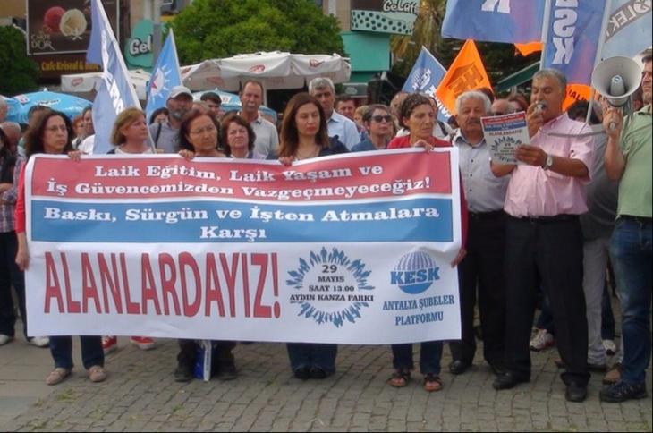 Antalya'da kamu emekçilerinden miting yasağına tepki