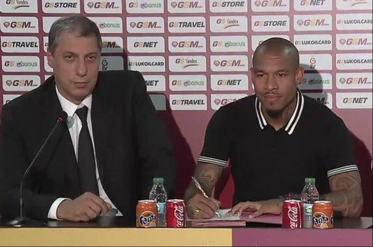 Nigel de Jong Galatasaray'a imzayı attı