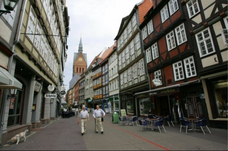 Hannover'de bomba nedeniyle 50 bin kişi tahliye edilecek