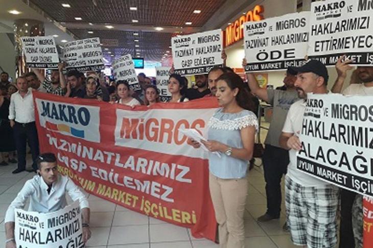 Makro ve Real Market mağazaları önünde eylem yapıldı