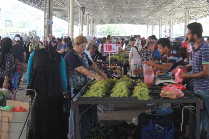 Adana'da pazardayız: Zammı yapanlar bizim maaşımızla pazara çıksın