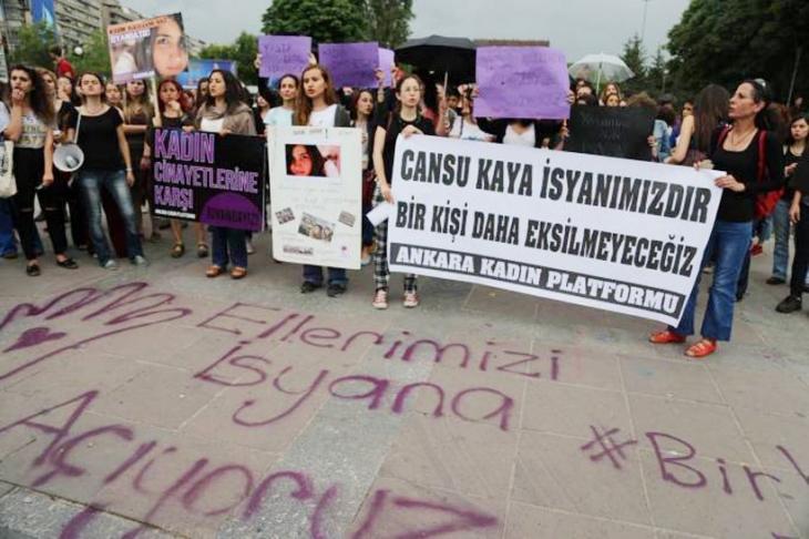 Kadınlar kadın katliamına tepki gösterdi