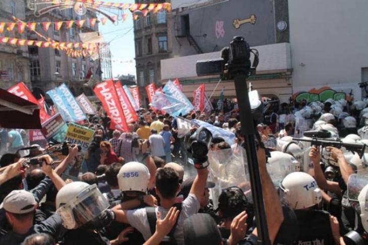 İstanbul'da BHH eylemine polis saldırdı: 4 gözaltı