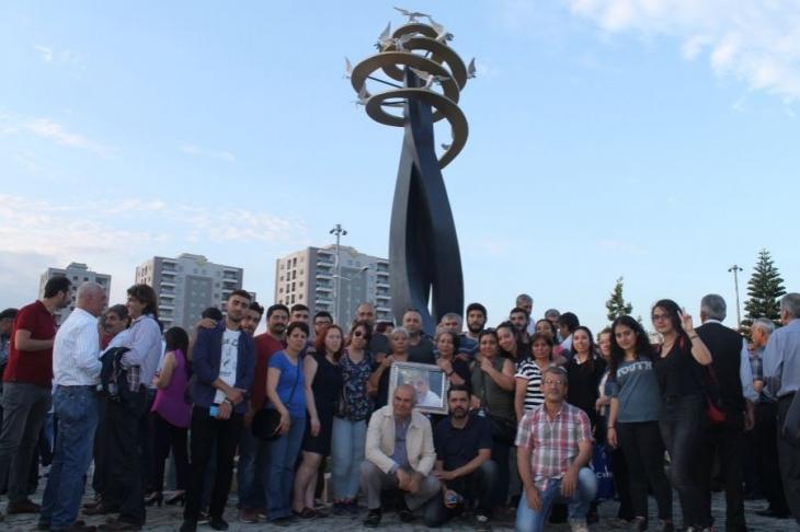 Adana'da 'Barış anıtı' açıldı