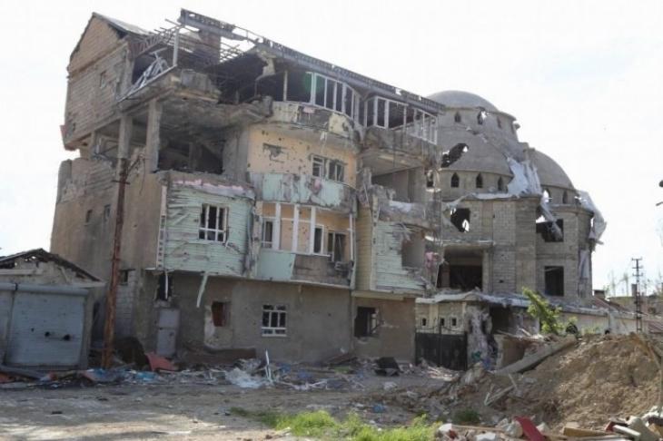 AKP'li üyelerden Yüksekova'ya yardıma 'hayır' oyu