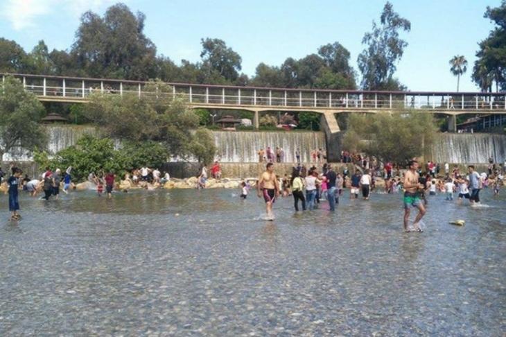 Tarsus'ta baraj, su kanalı ve süs havuzlarına akın