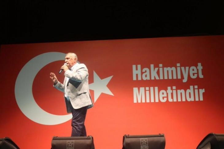 Mehmet Ağar, 'Demokrasi Nöbeti'nde konuştu!